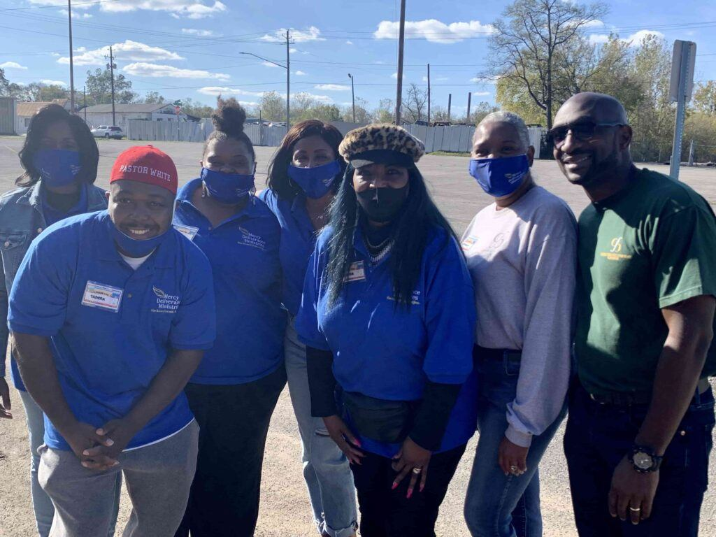 Group Leaders at Farmers to Families Ensley event